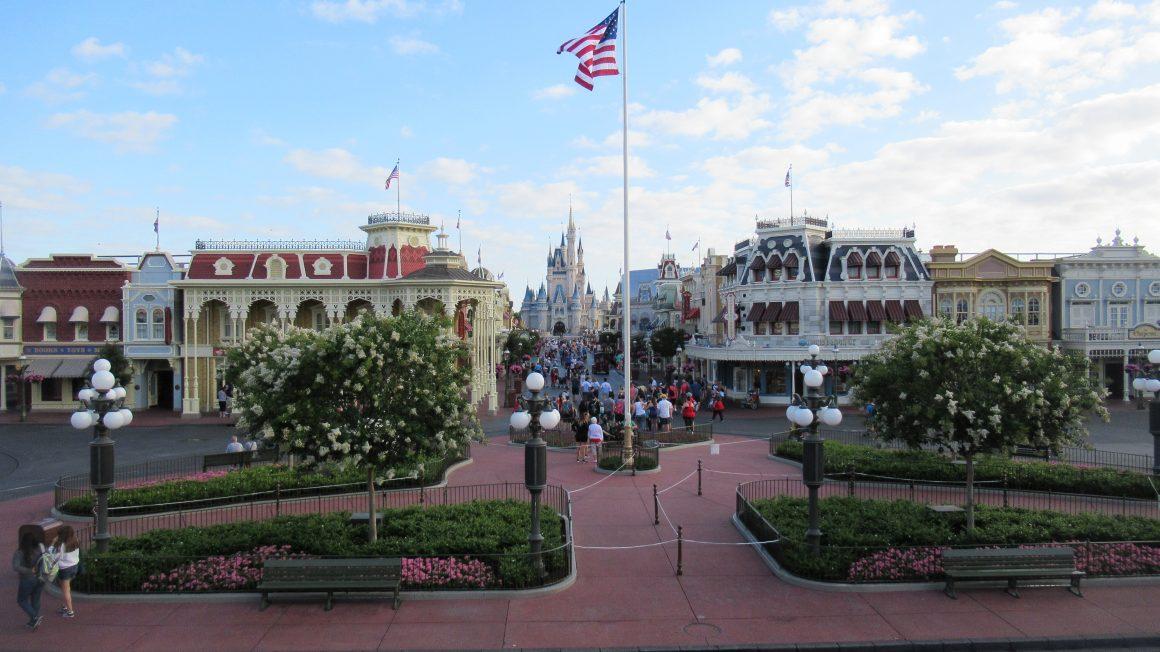Magic Kingdom at 8am