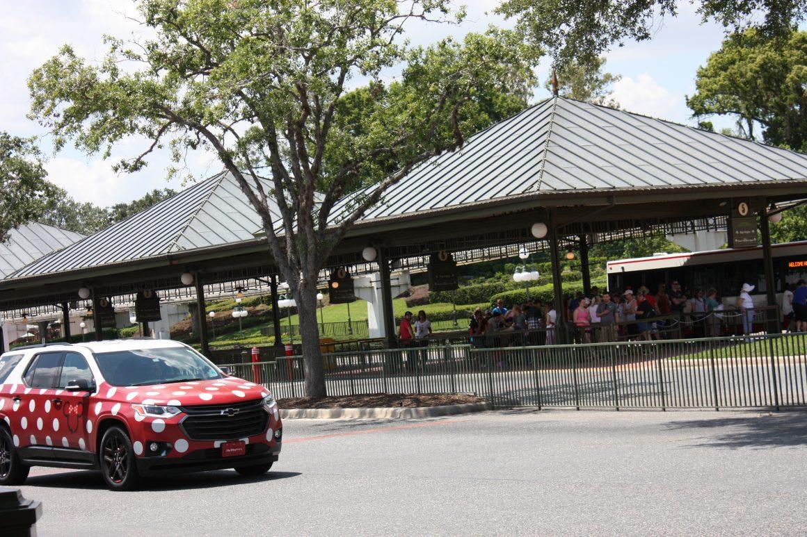 Minnie Van vs Disney Bus Transportation