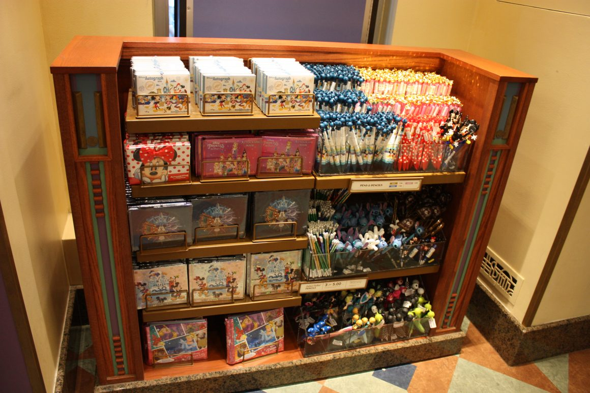 Autograph Supplies at Disney's Hollywood Studios